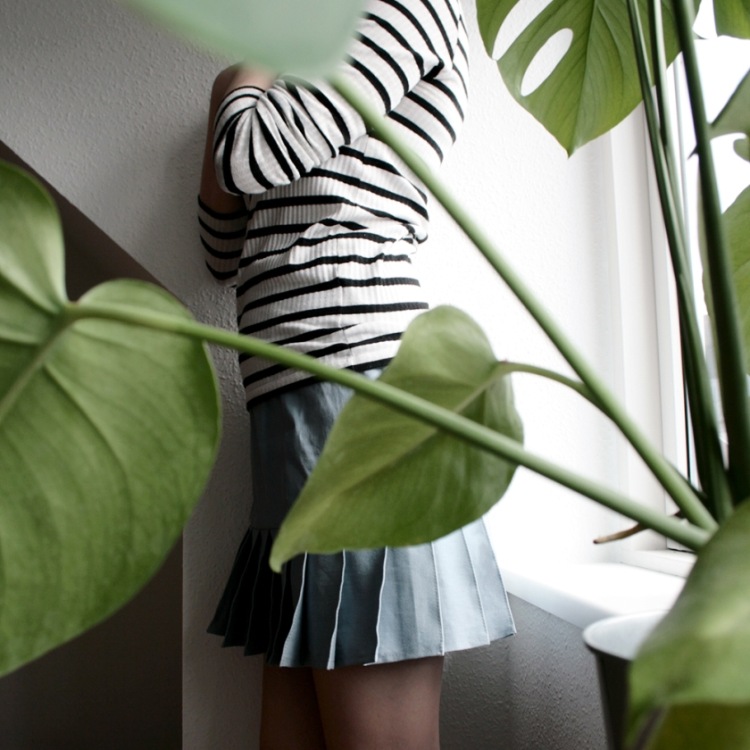 Plants and placket skirt nordic blogger